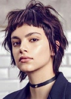 short, choppy hair with bangs. a modern mullet variation. Hairstyles With Bangs, Cool Hairstyles, Haircuts, Hair Inspo, Hair Inspiration, Short Hair Cuts, Short Hair Styles, Short Punk Hair, Modern Mullet