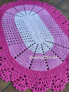 Free, Easy Crochet Sweater Pattern - A Cardigan Made From 2 Hexagons! - Before After Diy Crochet - Diy Crafts Crochet Table Mat, Crochet Table Runner Pattern, Free Crochet Doily Patterns, Crochet Doilies, Crochet Stitches, Blanket Crochet, Diy Crafts Crochet, Crochet Art, Crochet Home