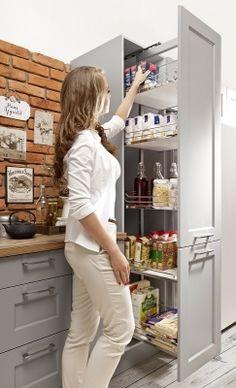 Szarości w klasyce | Aranżacje i ergonomia w kuchni. Jak zaprojektować kuchnię ? Funkcjonalna kuchnia, projektowanie kuchni, kuchnia design, projekty
