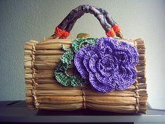 Sidney Artesanato: Bolsa de praia decorada com flores de crochet