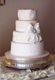 Shabby Chic Vintage White Fondant Round Wedding Cake Wedding Cakes Photos & Pictures - WeddingWire.com