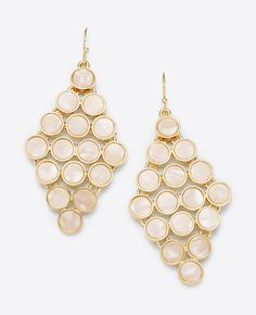 Ann Taylor's Mother of Pearl Dot Chandelier Earrings. #anntaylor #motherofpearl #earrings #chandelierearrings