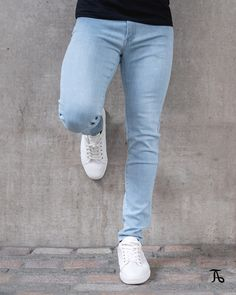 Our Premium Stretch Jeans are designed to work in sync with your body, using a unique stretch fabric; for total comfort with a distinguished modern look. Men's Jeans, Mom Jeans, Skinny Jeans, Man Fashion, Fashion Outfits, Muscular Legs, Colour Combinations, Best Jeans, Jean Outfits