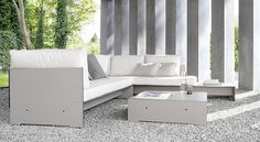 Ekskluzywne meble z hpl teraz również w szarym kolorze. Komfortowy komplet Riva Lounge to funkcjonalny mebel zarówno do wnętrz jak i na zewnątrz.