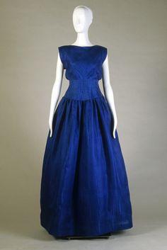 Evening dress of royal blue silk moiré, Oscar de la Renta, 1982, KSUM 1983.1.2055.