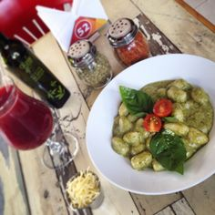 See 517 photos from 2603 visitors about good for dates, sandwiches, and pizza. Gnocchi Pesto, Sandwiches, Pasta, Victoria, Chicken, Ethnic Recipes, Food, Santiago, Meals