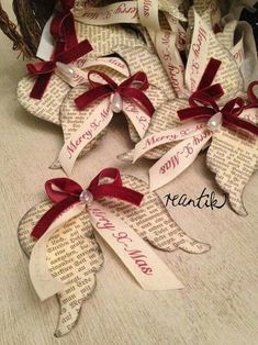 Mom, Kim, Laura, Carol,Lana Merry Christmas Wishes : These are really lovely festive decor. But wish they had not taken the Christ out of Christmas. Merry Christmas Wishes, Family Christmas Gifts, Noel Christmas, Diy Christmas Ornaments, Homemade Christmas, Christmas Projects, Holiday Crafts, Christmas Fashion, Paper Ornaments