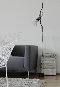 Living Room - Flos Parentesi D Suspension Lamp Nordic Interior Design, Interior Decorating, Decorating Ideas, Cozy Living Rooms, Living Spaces, Cozy Reading Corners, Black And White Interior, Decoration, Interior Inspiration