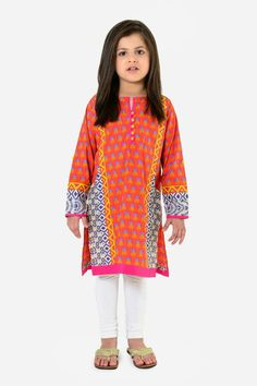 Khaadi kids pakistan Wedding Dresses For Kids, Little Girl Outfits, Little Girl Dresses, Kids Outfits, Pakistani Designer Clothes, Pakistani Clothing, Designer Dresses, Kids Salwar Kameez, Simple Pakistani Dresses