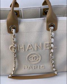 Best Handbags, Chanel Handbags, Fashion Handbags, Purses And Handbags, Fashion Bags, Leather Handbags, Tote Handbags, Luxury Purses, Luxury Bags