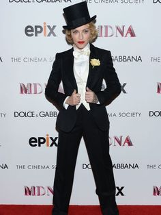 Madonna rocked a gorgeous suit and top hat at the premiere of her MDNA tour movie last night.
