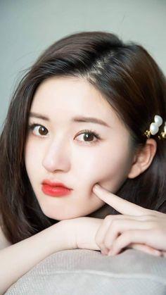 Korean Beauty Girls, Beauty Full Girl, Asian Beauty, Beautiful Women Videos, Beautiful Asian Girls, Prettiest Actresses, Beautiful Actresses, Cute Girl Poses, Cute Girls