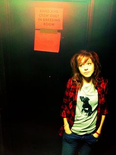 lindsay stirling...this reminds me of the pose Adam Young (Owl City) does sometimes...