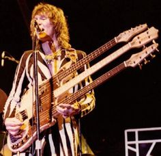 chris squire triple neck bass | Chris Squire ( Yes ) with the legendary triple-necked Wal bass (1975 ...
