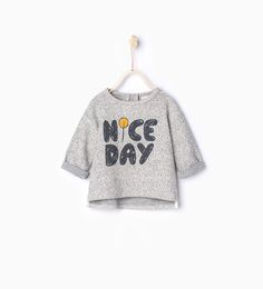 Discover the new ZARA collection online. Baby Outfits, Kids Outfits, Sweat Shirt, Kids Pjs, Baby Kids Clothes, Boys T Shirts, Kind Mode, Baby Wearing, Kids Wear