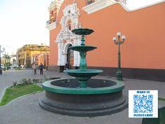 Pileta de agua ubicada en las afueras de la Iglesia Santa María Magdalena.