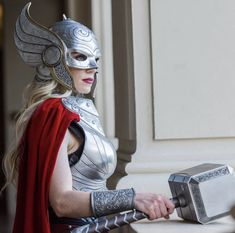 Lady Thor Cosplay, Marvel Cosplay, Female Avengers, Female Thor, Thor Helmet, Viking Helmet, Cosplay Diy, Cosplay Makeup, Cosplay Ideas