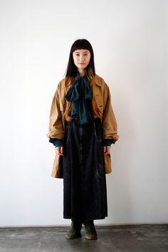 Area5:Harajuku,Tokyo(原宿,東京)  Name:坂入 小百合  Occupation:Hairdresser  Jacket:LIMI feu  Shirt:LIMI feu  Skirt:LIMI feu  Shoes:LIMI feu  Accessories:LIMI feu