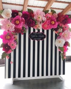 Back drop wedding photo backdrops, wedding backdrop photobooth, diy Kate Spade Party, Party Kulissen, Party Ideas, Gold Party, Event Ideas, Striped Wedding, Deco Floral, Floral Theme, Paper Flower Backdrop
