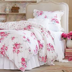 """Spring in Bloom"" Simply Shabby Chic Sunbleached Floral Duvet Set. Available now at @target @targetstyle #targetstyle #simplyshabbychic #sha"