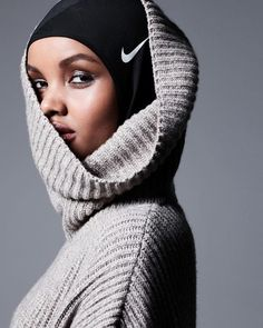Halima Aden has become the first ever hijab-wearing model to grace the cover of American women's beauty magazine, Allure. Modest Fashion, Hijab Fashion, Love Fashion, Fashion Models, Fashion Beauty, Fashion Trends, Muslim Fashion, Unique Fashion, Fashion Design