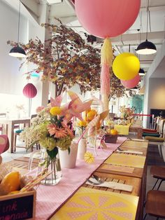 Tasya T's Birthday / Pink Lemonade - Photo Gallery at Catch My Party Table Decorations, Kids Party Themes, Party Ideas, Pink Lemonade Party, Lemon Party, Large Balloons, Spring Party, Table Settings, Yellow