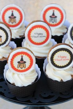 Cute cookies for cupcake toppers! Free #Halloween party printables.