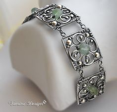 Five Elements-Fine/Sterling Silver and Prehnite bracelet. Five Elements-Fine/Sterling Silver and Prehnite bracelet. Bracelet Fil, Wire Wrapped Bracelet, Woven Bracelets, Silver Bracelets, Bijoux Design, Schmuck Design, Jewelry Design, Jewelry Crafts, Jewelry Art
