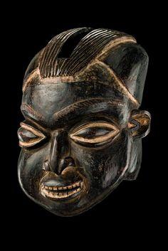 """Helmet mask """"ngoin"""", Cameroon Grassfields, Bamileke"""