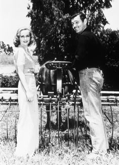 Afbeeldingsresultaat voor clark gable and carole lombard Golden Age Of Hollywood, Vintage Hollywood, Hollywood Glamour, Classic Hollywood, In Hollywood, Classic Actresses, Classic Films, Actors & Actresses, Carole Lombard