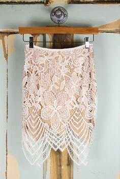 Scalloped Eyelash Lace Skirt - White