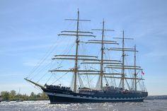 Kruzenshtern auf der Elbe