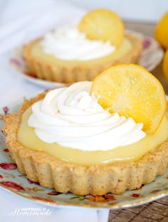 Fresh & Local: Meyer Lemon Tart with Vanilla Almond Shortbread Crust - SO yummy! - Happiness is Homemade ad (Baking Sweet Coconut Flour) Lemon Desserts, Lemon Recipes, Tart Recipes, Mini Desserts, Just Desserts, Sweet Recipes, Delicious Desserts, Plated Desserts, Oreo Desserts