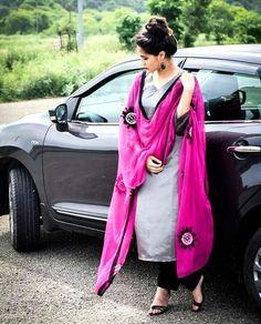 Are you researching for the best Latest Elegant Designer Punjabi Suit plus Elegant Designer ladies Salwar suits in which case Click Visit link for more info Designer Punjabi Suits, Punjabi Salwar Suits, Punjabi Dress, Indian Designer Wear, Patiala, Indian Suits, Indian Attire, Indian Wear, Indian Fashion Trends