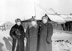 The Battle of STALINGRAD. Khrushchev of the Soviet Military Council commanded the 64th Army in Stalingrad. .left Colonel Serdyuk, right Lieutenant General Shumilov,  February 1943.