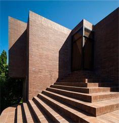 Family House at the Empordà / Ricardo Bofill Taller de Arquitectura ⋆ ArchEyes