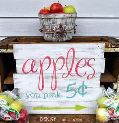 Fall Friday Finds – Fall Themed Pallet Decor , my sister should make this by her apple orchard ; Diy Furniture Projects, Diy Pallet Projects, Diy Projects To Try, Woodworking Projects, Pallet Ideas, Vinyl Projects, Pallet Furniture, Furniture Plans, Rustic Furniture