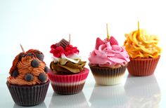 Bougies de soja parfumée Cupcake - variété parfumée - fouettée Gourmet bougies - Edition limitée - cadeaux uniques - bougies artisanales - jeu de 4