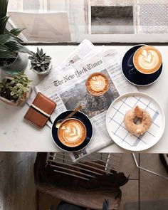 Pinterest @ tessmeyer5 Coffee Myth: Keeping coffee in the freezer preserves it Fact: The best way to keep coffee fresh is to store it away from light and…