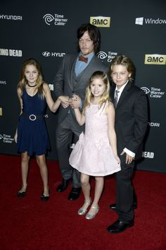 Norman Reedus, Kyla Kenedy and Brighton Sharbino at event of The Walking Dead