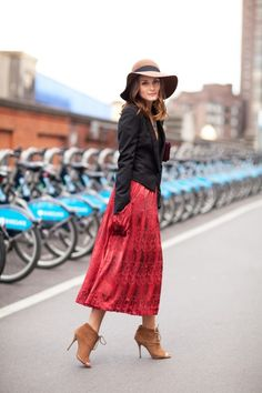 Love this hat and the midi skirt (and everything else)! #SkimmiesSecrets will keep a silky skirt like this hanging perfectly all day long! @Yusuke Asakura International