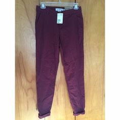 Burgundy chinos These burgundy chinos are a made of a cotton material and are a great addition to any business wardrobe. H&M Pants Trousers