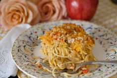 Baked Chicken Spaghetti Casserole…basic, warm, delicious comfort food, perfect for a crowd. Baked Chicken Spaghetti, Chicken Spaghetti Casserole, Spaghetti Bake, Veggie Spaghetti, Cheese Spaghetti, Dinner Dishes, Pasta Dishes, Main Dishes, Comfort Foods