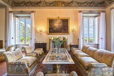Case di lusso: da Venezia a Capri passando per il Lago di Como