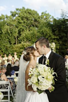 A fresh green and white garden wedding by Andie Freeman photography - Wedding Party