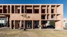 Villa el Libertador Príncipe de Asturias Municipal Hospital / Santiago Viale + Ian Dutari + Alejandro Paz