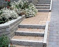 Kivimuuri ja portaat