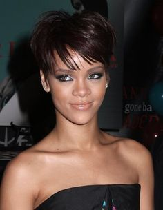 love how big her eyes look. Rihanna_cute_short_side-swept_hairstyle
