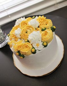 The Flour Bouquet Co. | CAKE GALLERY buttercream flower cake