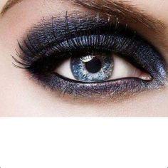 Gorgeous eye makeup for blue eyes!